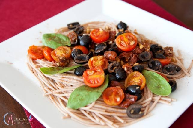 Spaghetti with Cherry Tomatoes and Garlic