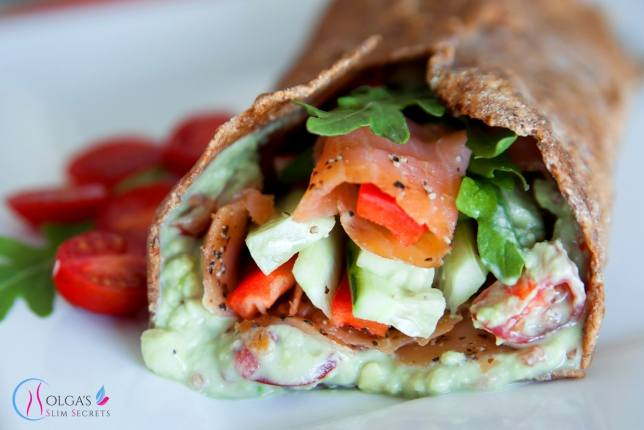 Flatbread with avocado and smoked salmon