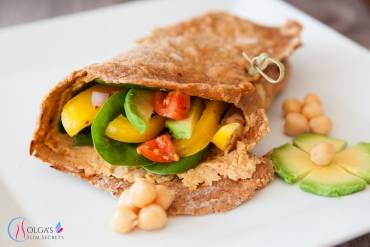 Flatbread with Avocado and Hummus
