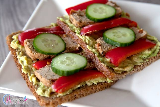 Sandwich with avocado and tofu