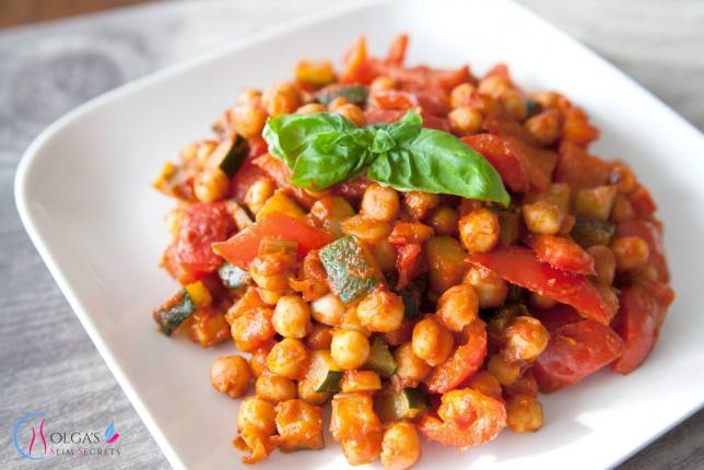 Chickpea with vegetables